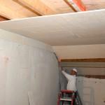 Plafond brandvertragend afwerken