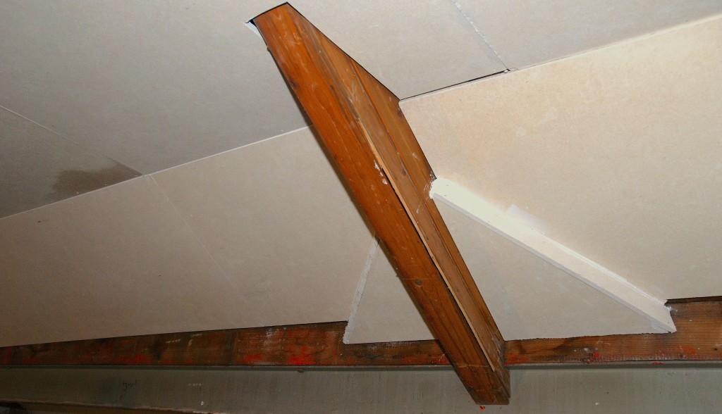 Plafond & wand bekleding met brandvertragende platen in aanbouw